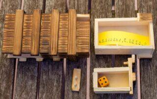 Trickkiste aus Holz: Gutes Versteck für Escape Room & Schnitzeljagd