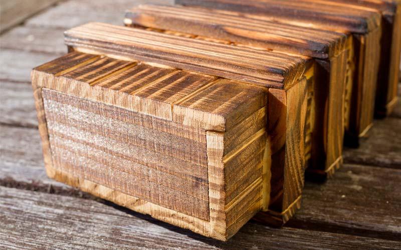 Trickkiste aus Holz: Testbericht zum Rätselspiel