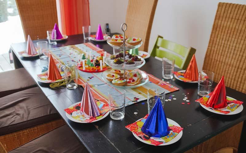 Kindergeburtstag Spiele: Geburtstagsspiele für drinnen und draußen