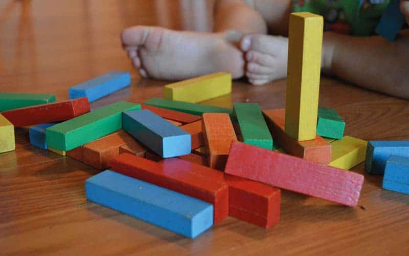 Ab wann lernen Kinder Farben? Spiele zum Farben lernen